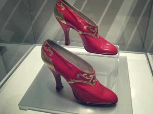 red russian shoes 1920s